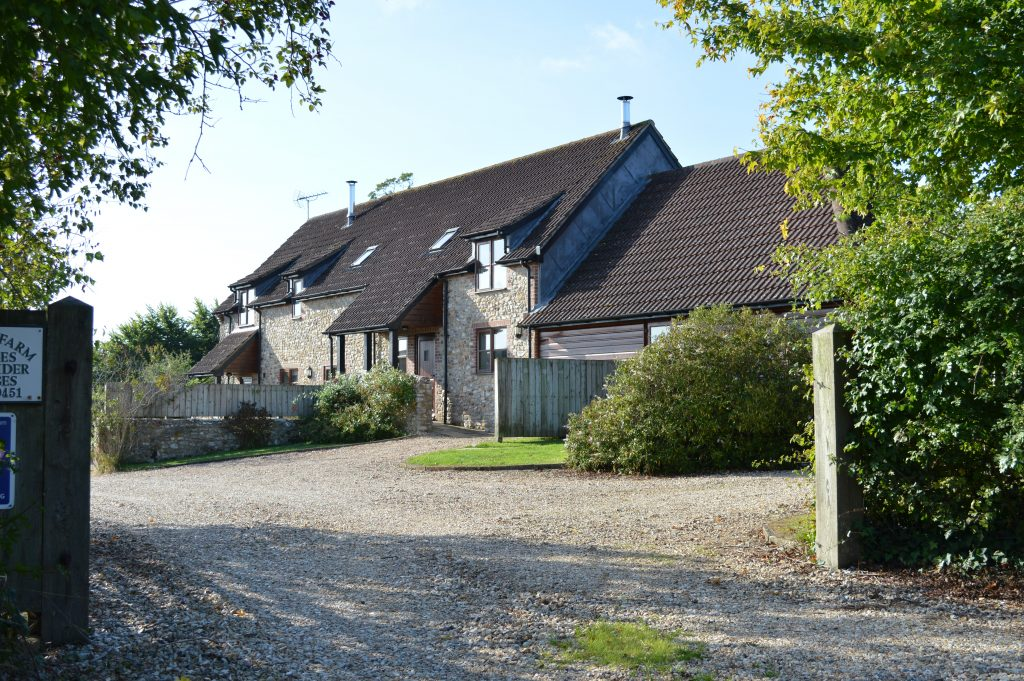 Barn_and_Cider_Cottages