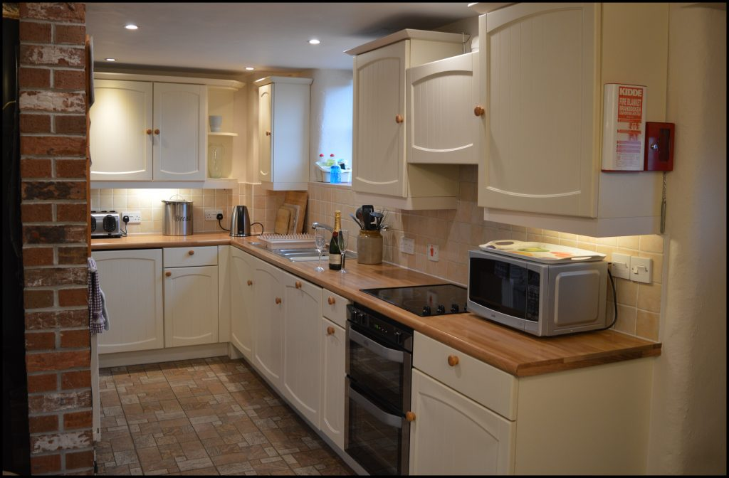 Cider_Cottage_kitchen