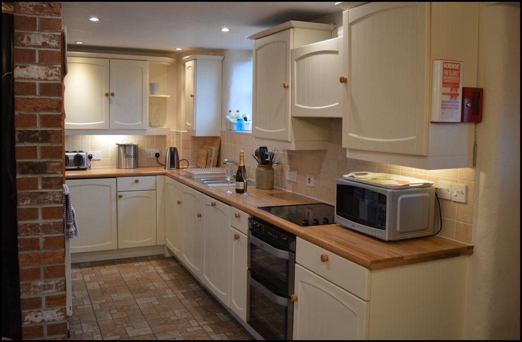 Cider_Cottage_kitchen