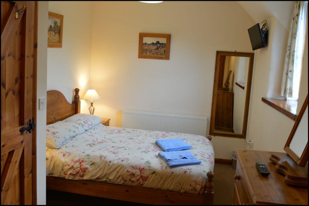 Cider_Cottage_double_bedroom